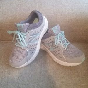 New Balance 420v3 9.5 wide Like NEW!